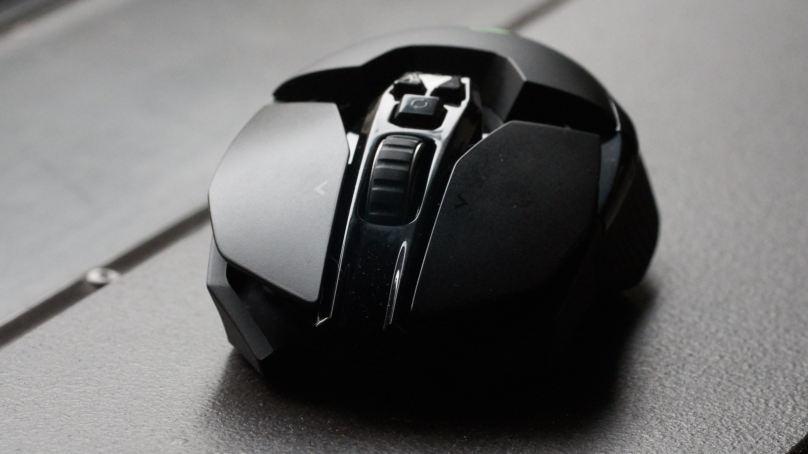 I Can't Figure Out Who This Luxurious Wireless Mouse System