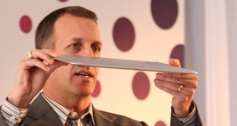 Illustration for article titled Dell Adamo XPS First Look: So Thin It Could Slice a MacBook Air in Half