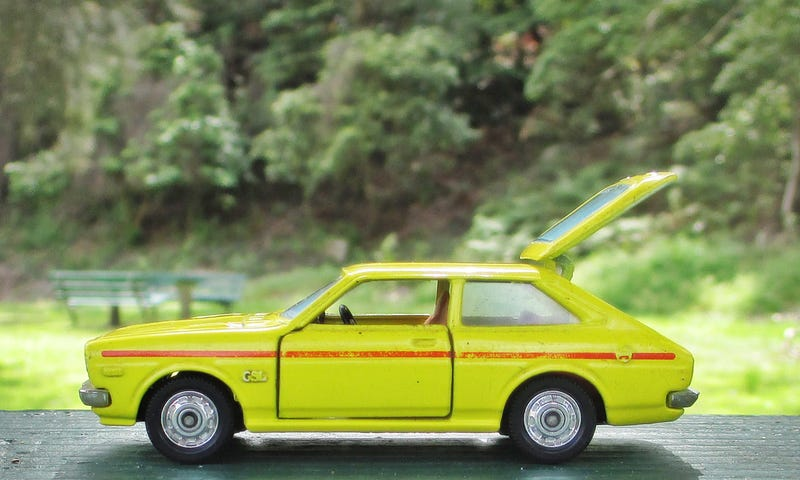 Illustration for article titled Land of the Rising Sun Day: Tomica Dandy Toyota Corolla Lift Back