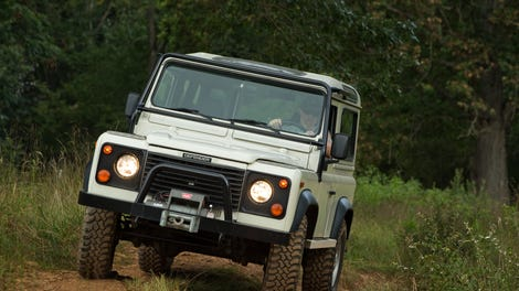 the land rover defender is coming back to the u s in 2020