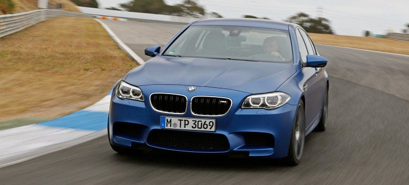 Illustration for article titled The All-Wheel Drive 2018 BMW M5 Can Still Rip Rear-Drive Burnouts