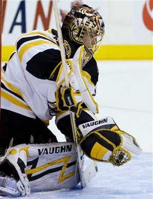 Illustration for article titled Rask Returns To Terrorize Leafs