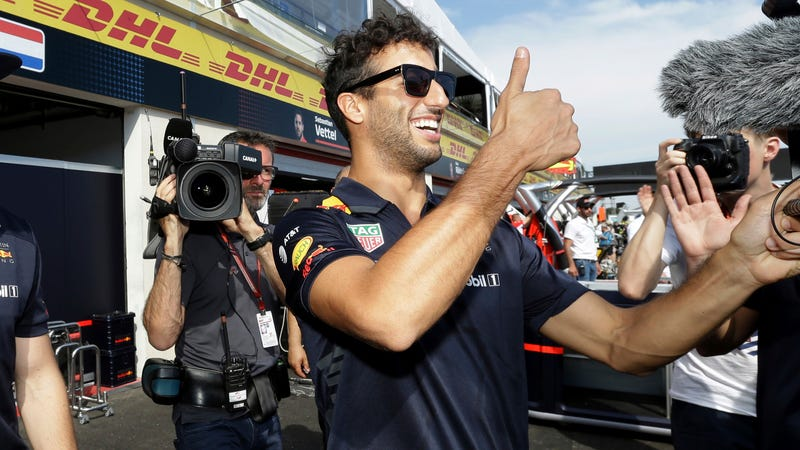 Illustration for article titled Daniel Ricciardo to Leave Red Bull F1 After 2018 for Renault (Updated)