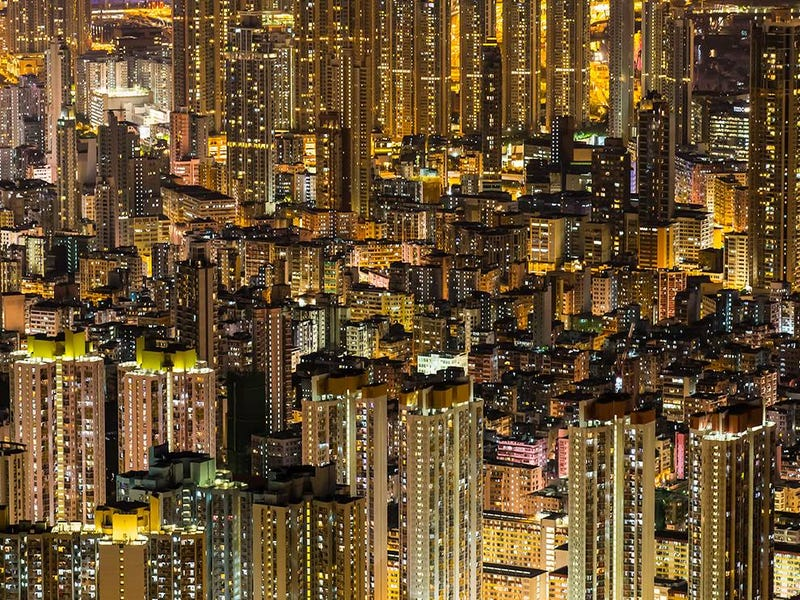 Illustration for article titled I don't know where buildings start or end in this crazy Hong Kong photo