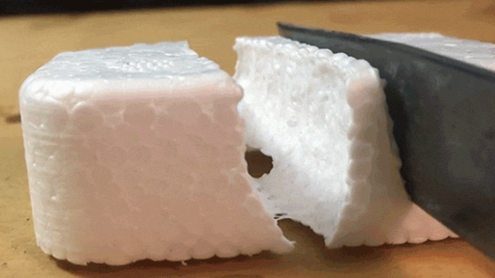 Watching a Hot Knife Cut Through Styrofoam Is Unsurprisingly Satisfying