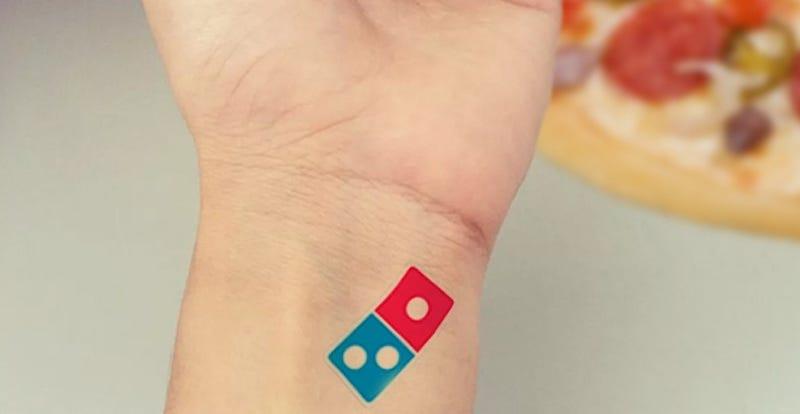 Illustration for article titled Domino'sofrece en Rusia 100 años de pizza gratis al que se tatúe su logo, ¿qué podía salir mal?