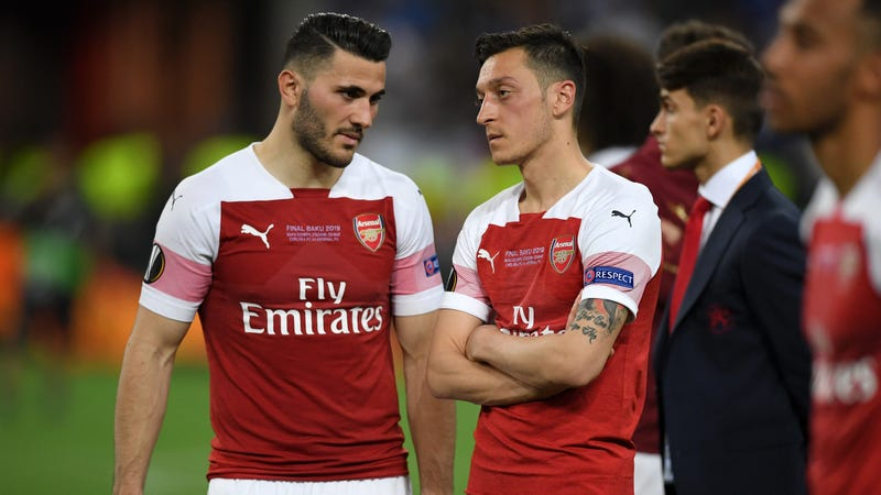 Illustration for article titled Mesut Özil And Sead Kolašinac Pulled From Arsenal Squad Following Second Security Threat In Three Weeks