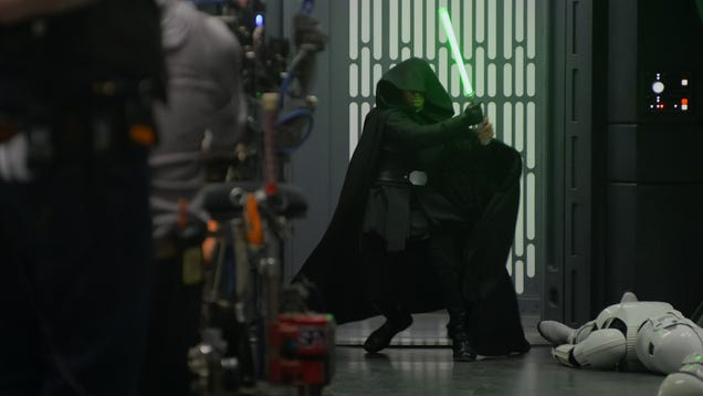 Luke Skywalker s Mandalorian Cameo Is Getting Its Own Behind the Scenes Special