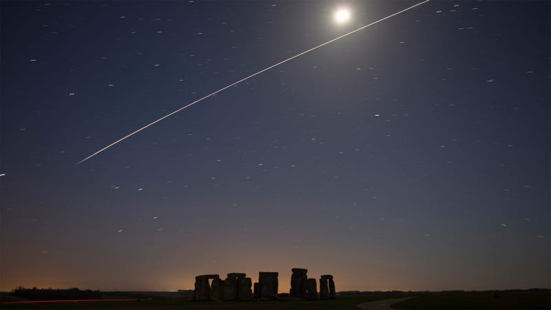 Illustration for article titled Stunning: ISS Passing Over Stonehenge