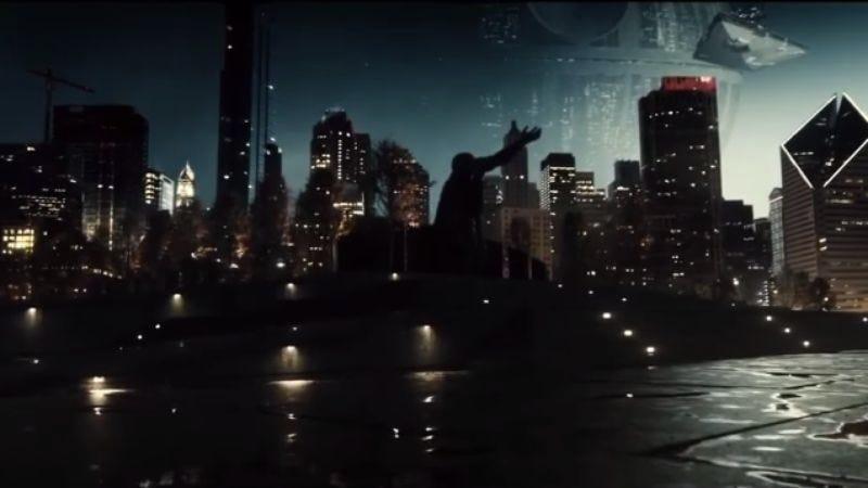 Screenshot: Zack Snyder Justice League Star Wars Trailer: Dark Side Knight Vs. Super Jedi
