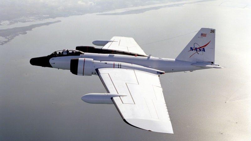 El avión de la NASA WB-57 en busca del origen de la misteriosa partícula