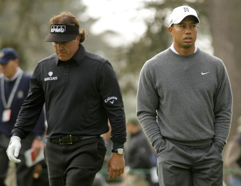 Illustration for article titled Who Had The Worse Shitty Week: Tiger Or Phil?
