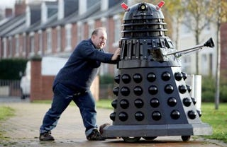 Illustration for article titled Man Builds Full-Size Dalek and Wonders Why He's All Alone