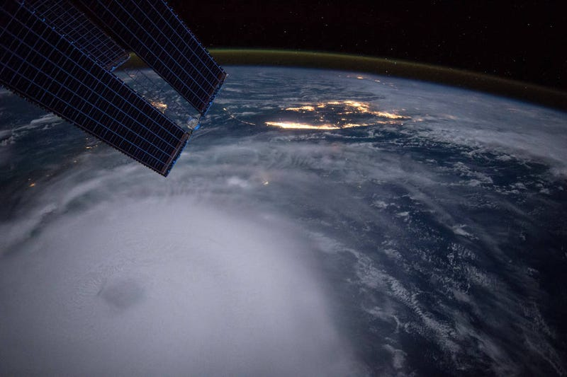 Illustration for article titled Hurricane Joaquin Looks Beautifully Ominous From Space