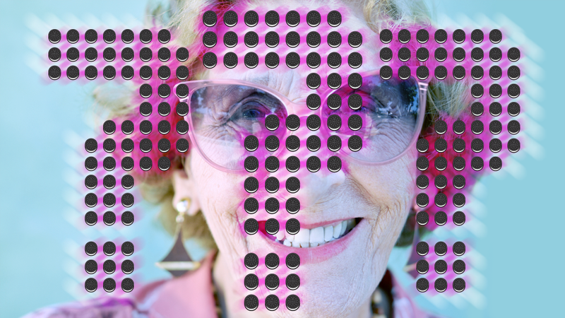 Illustration for article titled Which Elderly Actress Started a Bidding War? (And Other Blind Items)
