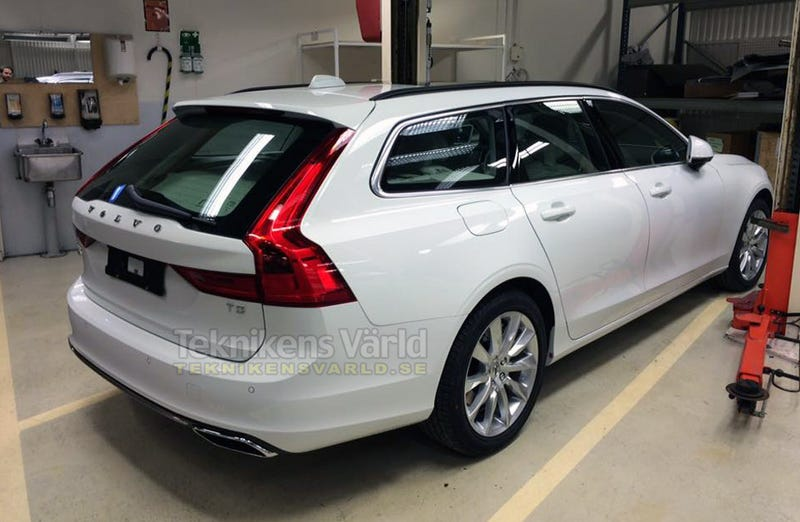 Illustration for article titled 2017 Volvo V90: This Is Your Next Volvo Wagon