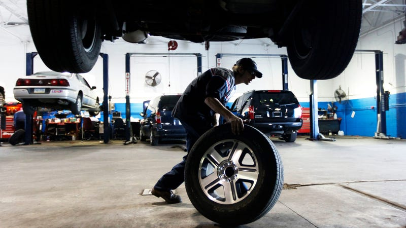 Illustration for article titled Does Tire Rotation Include Tightening Lug Nuts? Michigan Court Thinks About It For Awhile, Concludes 'No'
