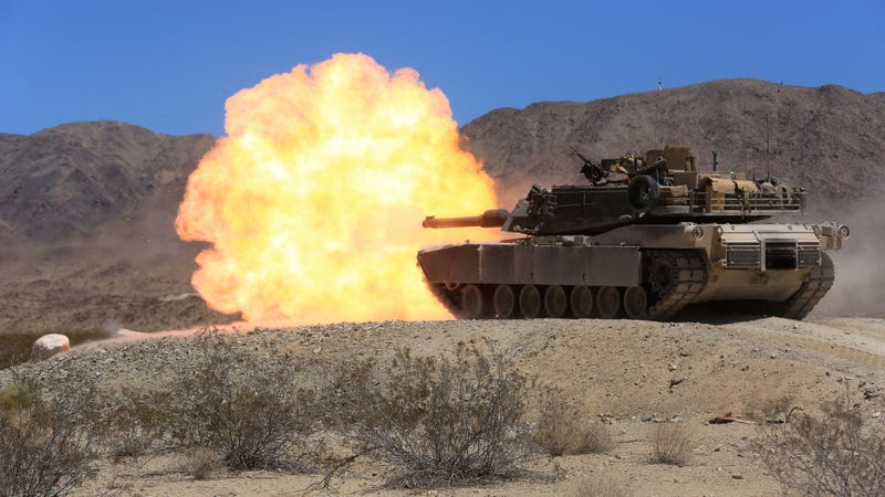 Illustration for article titled Here's a M1 Abrams tank shooting out a giant fireball