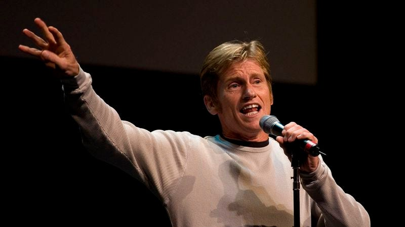 Illustration for article titled Denis Leary Drops By Comedy Club To Try Out New Ford Commercial