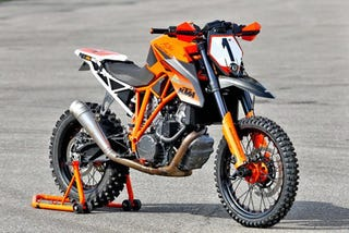 Illustration for article titled 180 HP Dirtbike
