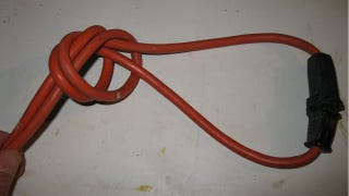 Illustration for article titled Knot Your Power Cords Like a Carpenter to Avoid Unwanted Unplugging