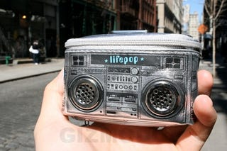 Illustration for article titled Hands-On: Lifepop Mini '80s Boombox