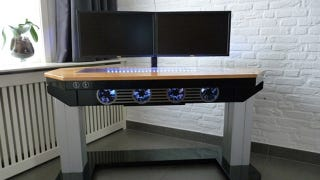 Today S Featured Worke Is One Of The Most Amazing Diy Desk Computer Builds We Ve Seen In A Long Time Dubbed Next Level By Maker Pascal De Greef