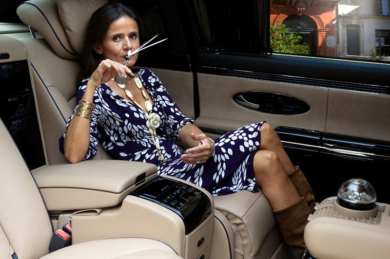 Illustration for article titled What Is This Woman Doing In Her Maybach Zeppelin?