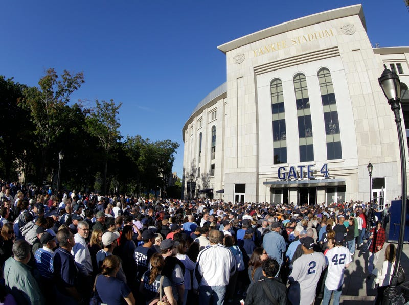 Illustration for article titled Mariano Rivera Bobblehead Night Is A Fiasco [Updates]