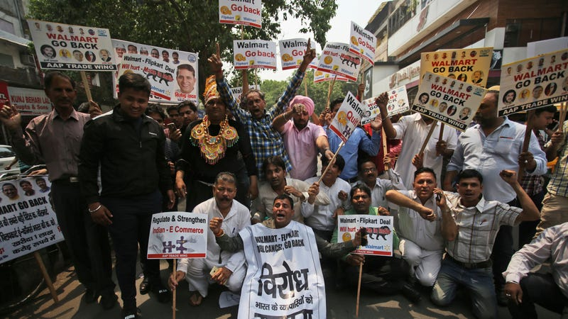 Protesters in New Delhi, India, decrying Walmart's acquisition of Flipkart, in May 2018.