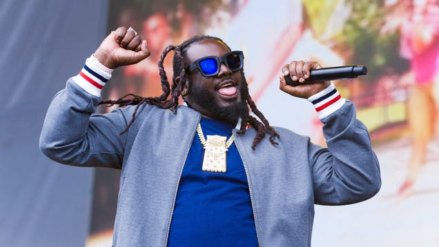 Watch T-Pain have a sloppy lightsaber fight in downtown New York City