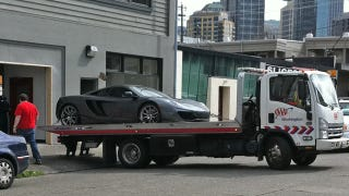 Illustration for article titled First McLaren MP4-12C crashes in Seattle