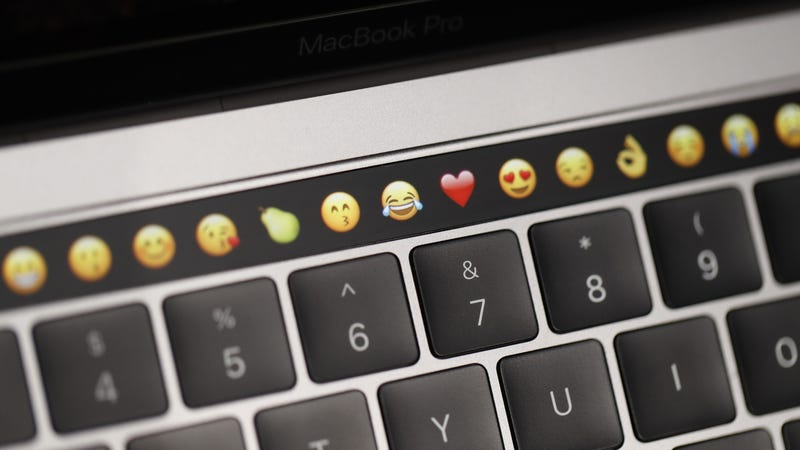 Illustration for article titled Apple Slapped With Class Action Lawsuit Over Faulty MacBook Pro Keyboards