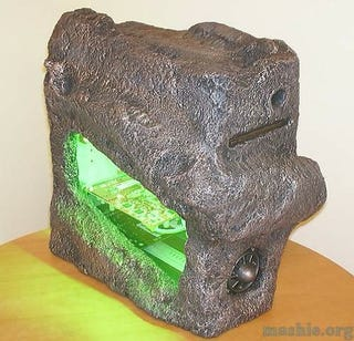 Illustration for article titled DIY Asteroid Case Mod Comes Straight Out Of Krypton, The Flintstones