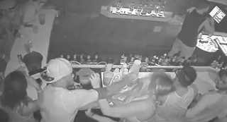 Illustration for article titled Video Shows FSU QB De'Andre Johnson Punching Woman In Face At Bar