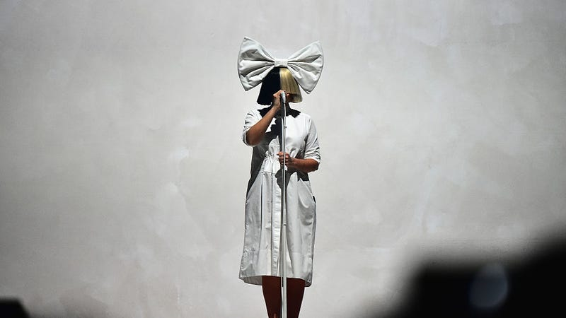 Illustration for article titled Sia Has the 'Macarena' On Her iPhone And Very Little Else
