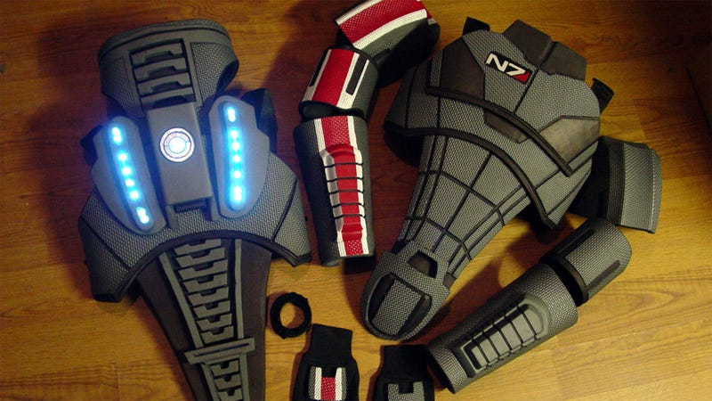Illustration for article titled This Custom-Made Mass Effect Armor Is Impressively Detailed... And Impressively Expensive
