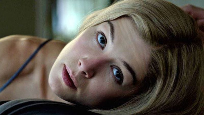 Illustration for article titled Rosamund Pike might join Charlie Hunnam in The Mountain Between Us