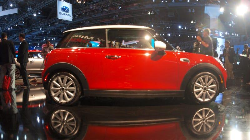 Illustration for article titled The 2015 Mini Cooper Is Actually Heavier Than The Old One