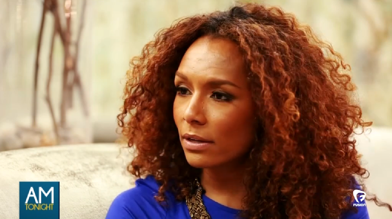 Illustration for article titled Janet Mock Shows Us How It Feels to Be Interviewed as a Trans Person