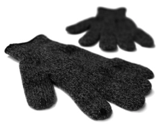 Illustration for article titled Use Your Touchscreen in the Cold with DOTS Gloves
