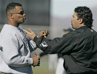 "Illustration for article titled Ozzie Guillen, GM, ""Almost Come To Blows"""