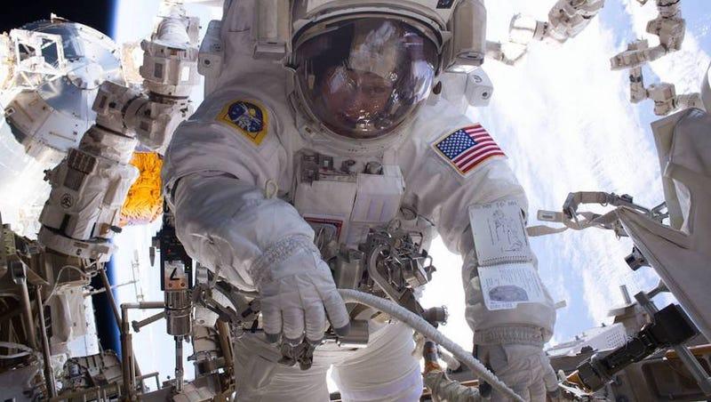Leak delays start of 200th spacewalk at International Space Station