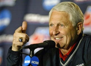 Illustration for article titled Legendary College Basketball Coach Lute Olson Is A Frat Guy