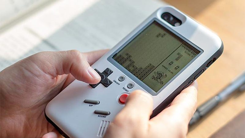 Illustration for article titled This Cheap, Playable Smartphone Case Is Triggering my Eternal Love For the Game Boy
