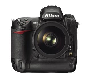 Illustration for article titled Nikon's D3X Masterpiece DSLR Goes Official With An $8,000 Price Tag