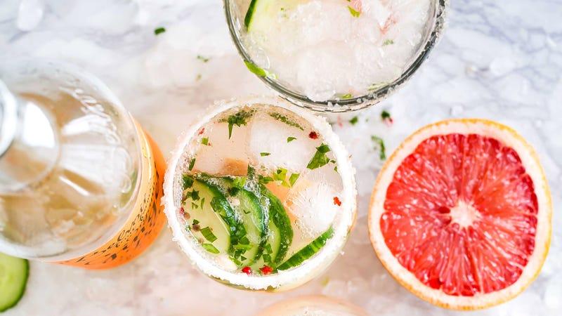Illustration for article titled You Should Salt Your Summer Beverages