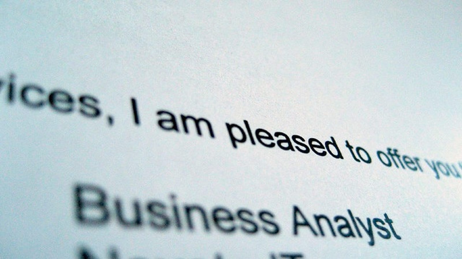 how to decide when to turn down a job offer