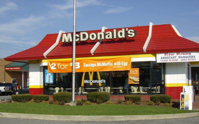 Illustration for article titled Putyin harcba szállt a McDonald's ellen
