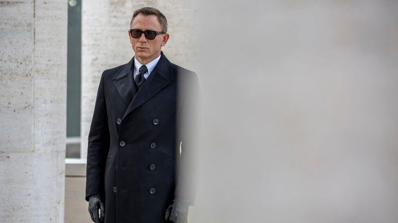 Illustration for article titled Spectre is the most traditional—and uneven—of the recent Bond films